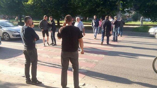 Вул. Володимира Великого у Львові перекрили пікетувальники