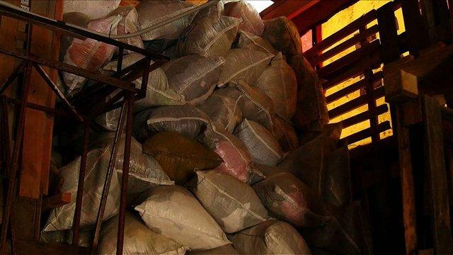 Фіктивна організація зі Львова ввезла в країну 160 тонн одягу без сплати податків, — ЗМІ