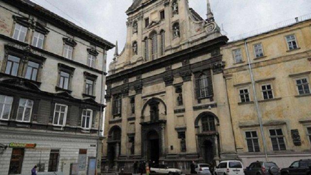 У Львові оголосили про збір  $425 тис. на відновлення фресок костелу Єзуїтів