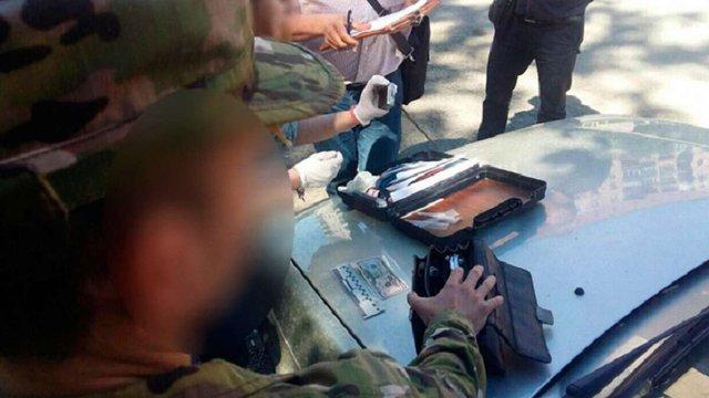 В Ужгороді викладача університету затримали за вимагання хабара зі студента