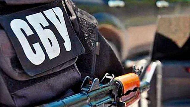 Контрабандист наркотиків на Луганщині намагався підпалити працівників СБУ