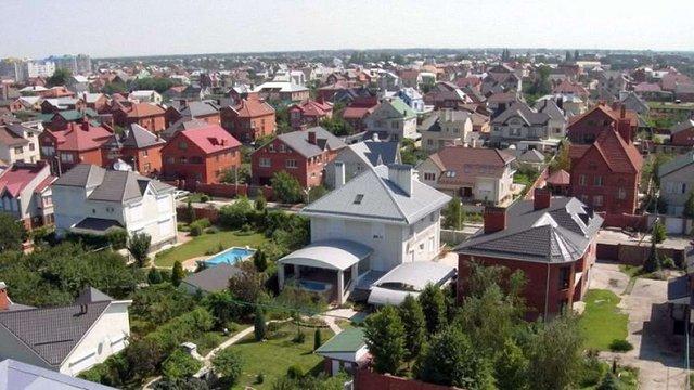 Уряд спростив правила переведення дачних будівель у житлові