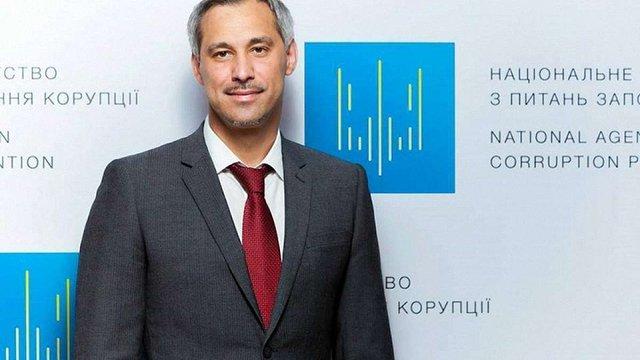 Кабмін схвалив відставку члена НАЗК Руслана Рябошапки