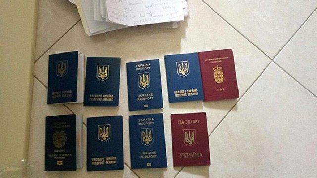 Українська поліція викрила схему візового шахрайства для виїзду у США