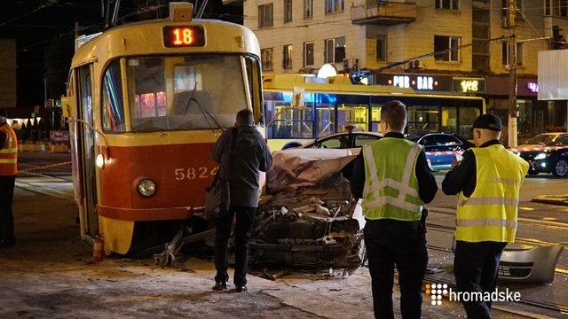 Народного депутата Олега Барну госпіталізували після ДТП з трамваєм у Києві