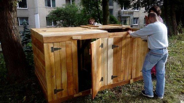 У львівському Парку культури встановили два компостери для переробки харчових відходів