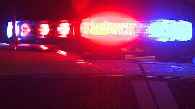 Прикарпатська поліція затримала осіб, які з автомобіля Lexus на ходу викидали наркотики