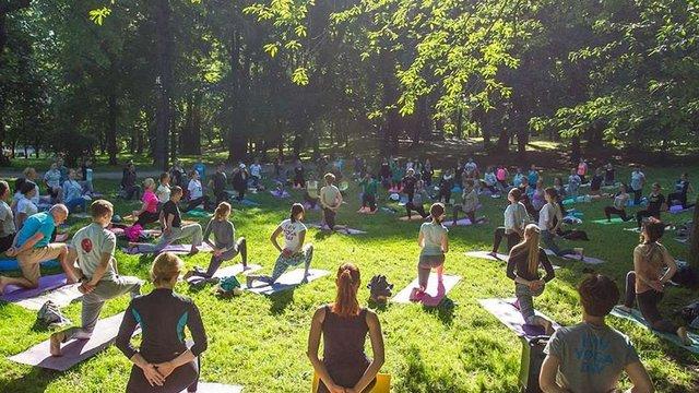 У неділю проведуть наймасштабніше заняття з йоги у Львові