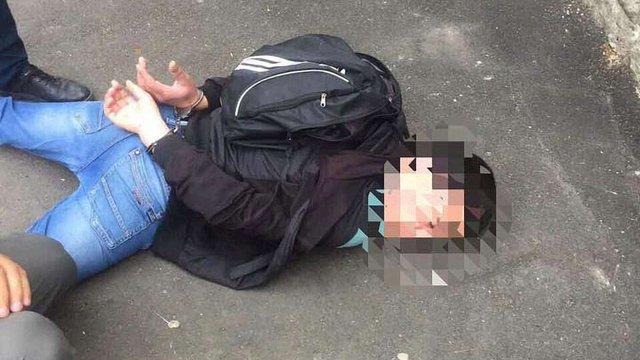 В Одесі затримали озброєного грабіжника, який грабував фінансові заклади