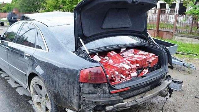 У Румунії поліція гонилася за Audi з контрабандними закарпатськими сигаретами
