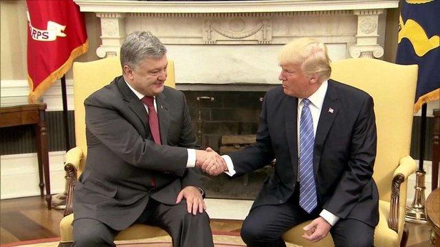 Президент США на зустрічі з Порошенком неправильно назвав Україну, - Washington Post