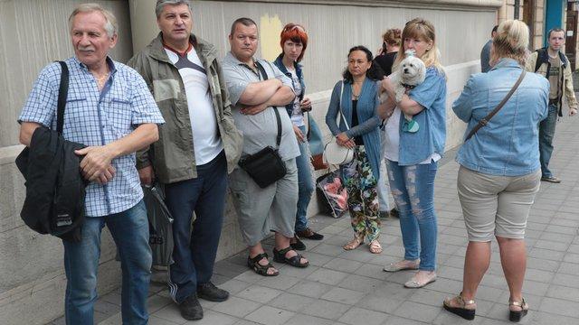 У Львові депутати «Самопомочі» розпочали безстроковий протест біля ЛОДА