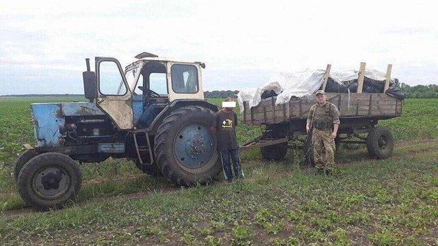 Контрабандисти з Сумщини намагалися доправити до РФ кілька тонн м'яса на тракторі