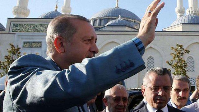 Президент Туреччини знепритомнів під час молитви в мечеті