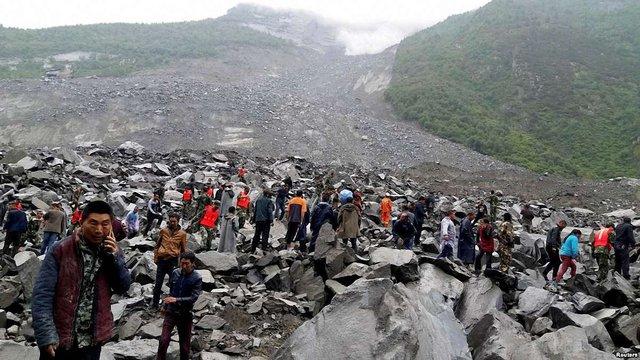 Більше ста людей зникли безвісти внаслідок зсувів ґрунту в Китаї