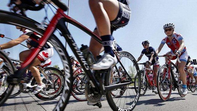 «КамАЗ» наїхав на групу велосипедистів у Херсоні