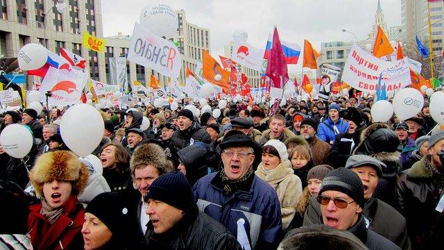 Третина росіян боїться військового вторгнення України — опитування