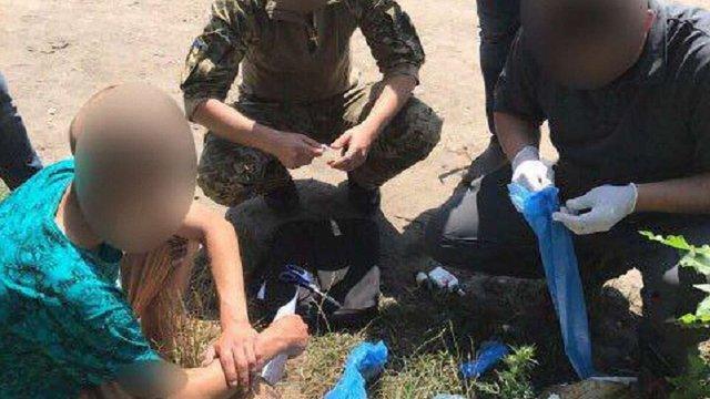 Військового кінологічного центру у Великих Мостах затримали за збут наркотиків