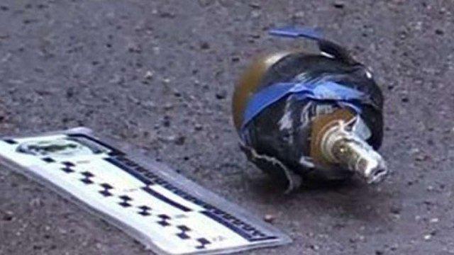 У Кропивницькому чоловік напідпитку погрожував патрульним гранатою