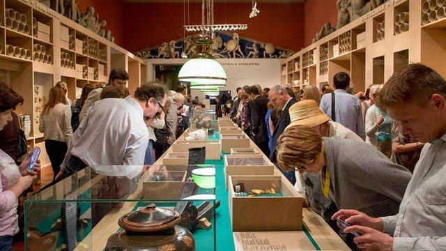 Росія незаконно вивезла з окупованого Криму 450 музейних експонатів, - Мінкульт