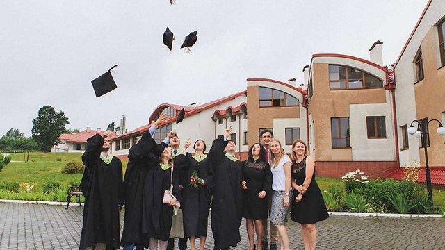 Школа управління УКУ запровадила три стипендії для учасників АТО