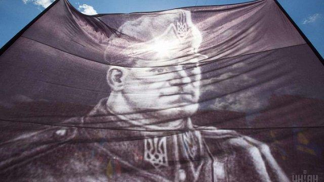 Суд у справі про перейменування проспекту Ватутіна на Шухевича оголосив перерву до серпня
