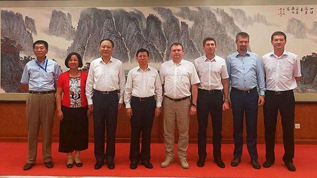Україна домовилася з Китаєм про співпрацю у програмі дослідження Місяця та Марса