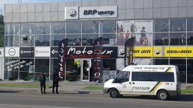 У Мукачеві магазин обстріляли з гранатомета