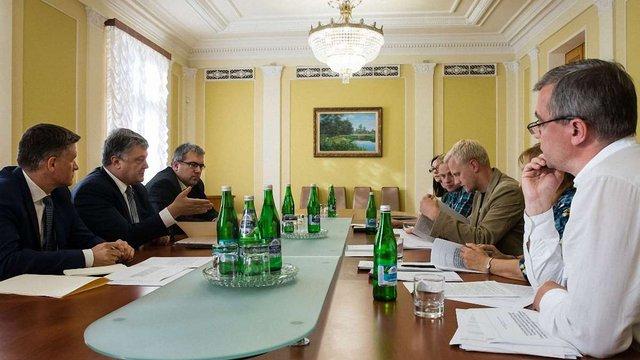 Президент передав до ВРУ закони про скасування е-декларування антикорупційних ГО