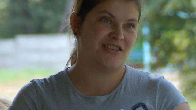 Луганчанка навчає жінок Галицької виправної колонії шити книжки для дітей з інтернатів