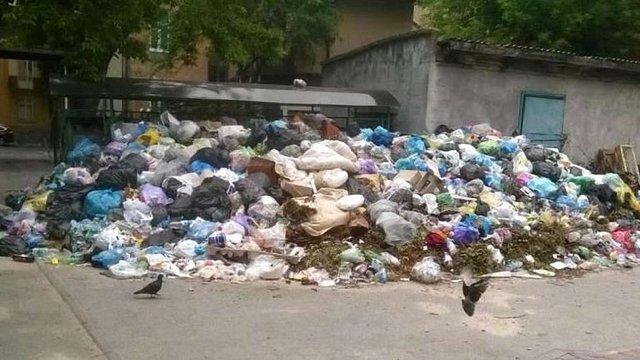 У Львові 192 переповнені сміттям майданчики