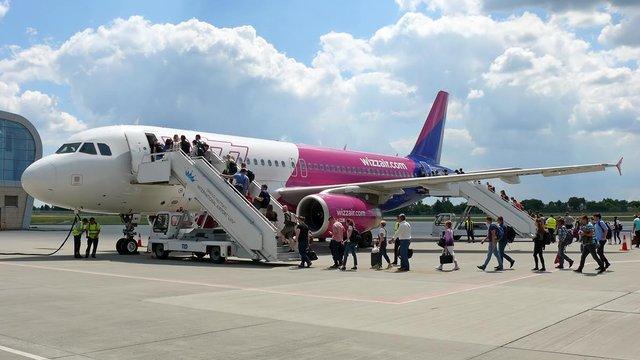 Пасажиропотік львівського аеропорту у червні зріс вдвічі