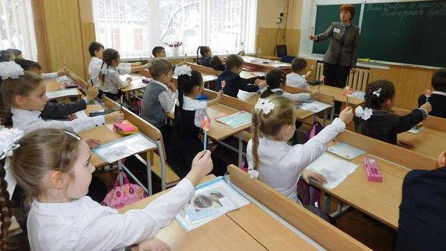 З вересня 100 шкіл працюватимуть за новим стандартом початкової освіти