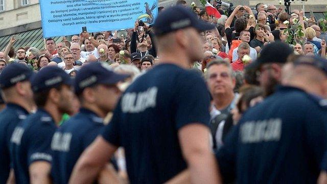У Польщі на акції проти судової реформи затримали більше 30 протестувальників