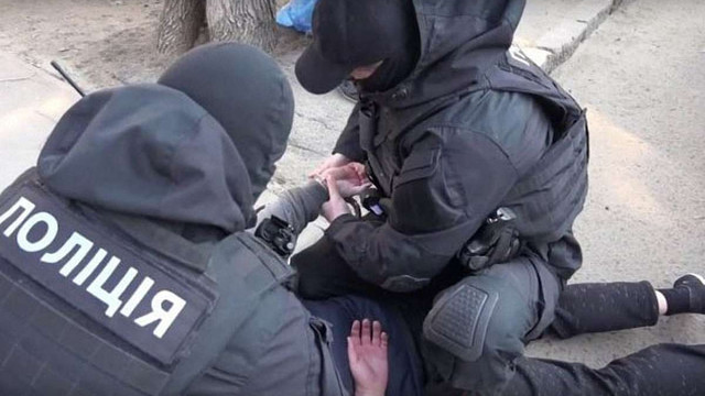 Поліція ліквідувала злочинну групу, яка викрала ₴10 млн на металобрухті