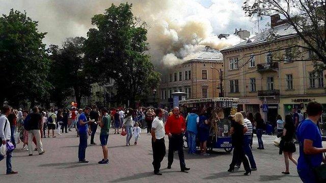 Пожежники загасили масштабну пожежу у центрі Львова