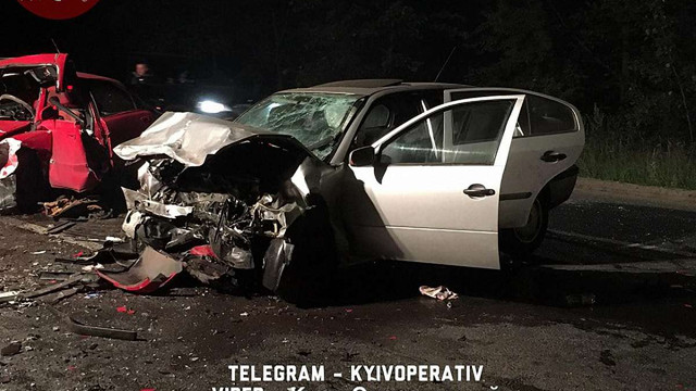 На трасі під Києвом через лобове зіткнення автомобілів загинули двоє водіїв