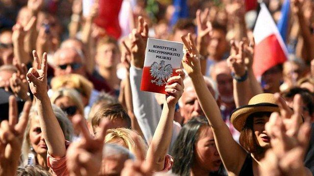 У Польщі опозиція заявила про загрозу Майдану через судову реформу