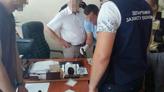 Директора коледжу на Львівщині затримали на хабарі у $200 від абітурієнта
