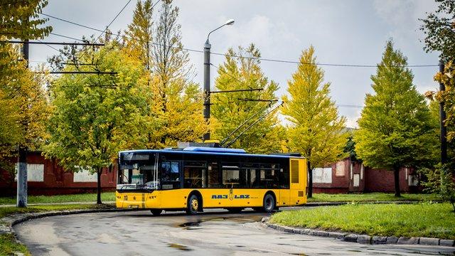 У Львові відновив рух до кінцевої зупинки тролейбус №7