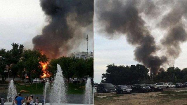 Біля популярного пляжу в Одесі спалахнув ресторан