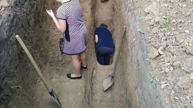 На Тернопільщині археологи знайшли скляні гарматні ядра ХV століття