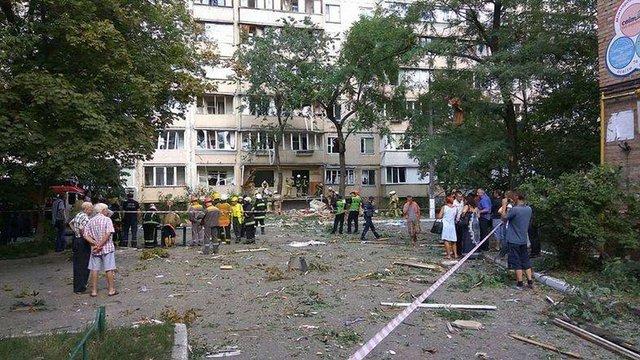 Спеціалісти «Київгазу» назвали попередні причини вибуху будинку в Києві