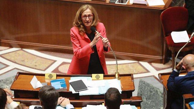 Парламент Франції заборонив політикам наймати на роботу родичів