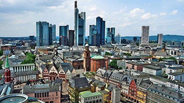 Більше 30 міжнародних банків думають переїхати з Лондона до Франкфурта через Brexit