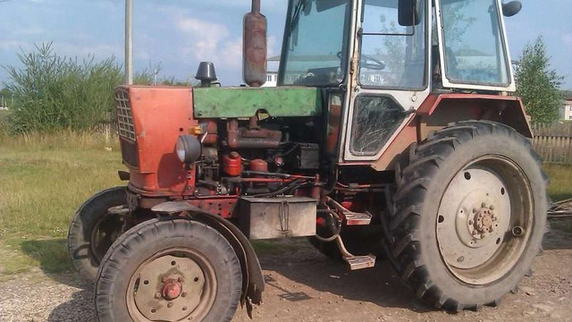 У Бродах 69-річний водій загинув під колесами власного трактора