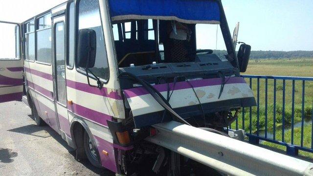 Рейсовий автобус потрапив в автокатастрофу під Львовом