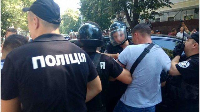 В Одесі сталася бійка через передачу лікарні швидкої допомоги у приватну власність
