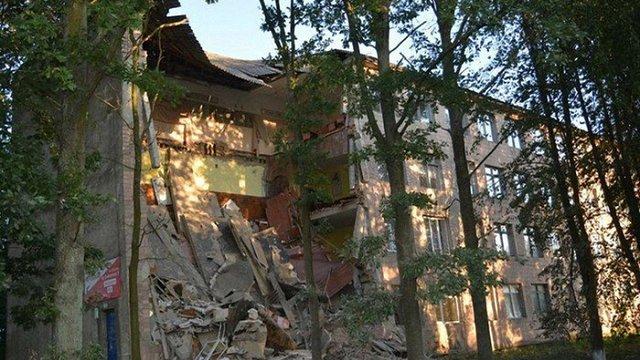 На Волині обвалилася частина фасаду у технічному коледжі