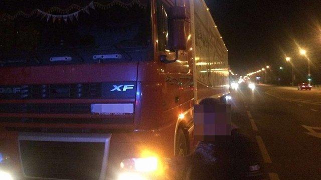 Водій вантажівки без прав незаконно перевозив у Львові 14 тонн м'яса